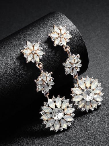 Flower Shape Cubic Zirconia Beautiful Dangle Earrings