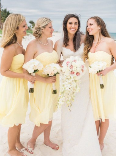 A-Line Sweetheart Knee-Length Yellow Chiffon Bridesmaid Dress Ruched