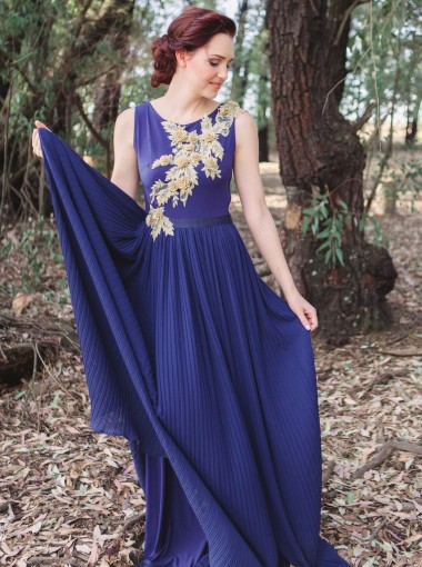 A-Line Round Neck Pleats Blue Chiffon Bridesmaid Dress with Appliques