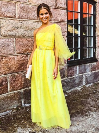 A-Line One-Shoulder Long Yellow Tulle Bridesmaid Dress with Pearls Belt
