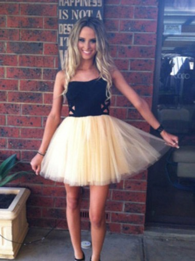 Elegant Strapless A-line Black Short Tulle Homecoming Dress/Party Dress