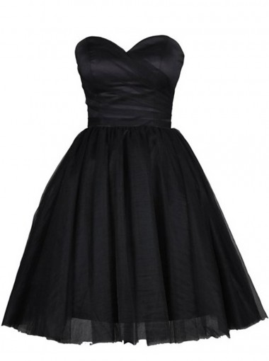 Classic Sweetheart Short Black Homecoming Dress with Pleats