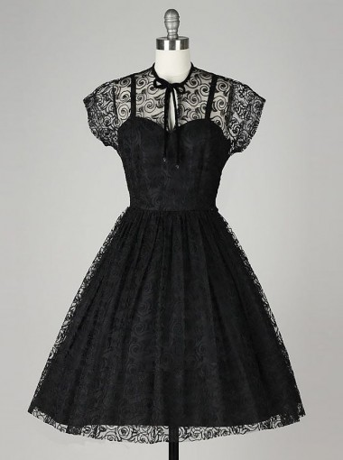 A-Line Jewel Knee-Length Short Sleeves Black Lace Homecoming Dress