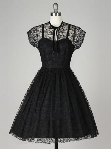 A-Line Jewel Knee-Length Short Sleeves Black Lace Homecoming Dress