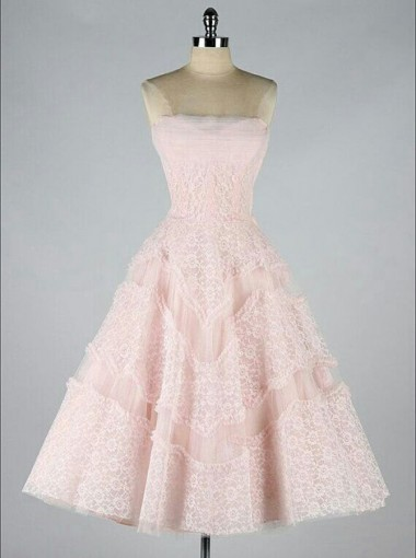 A-Line Strapless Knee-Length Pearl Pink Tulle Homecoming Dress with Lace