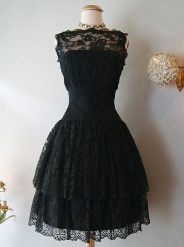 A-Line Bateau Knee-Lengh Sleeveless Black Lace Homecoming Dress