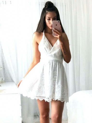 A-Line Spaghetti Straps White Lace Short Homecoming Dress