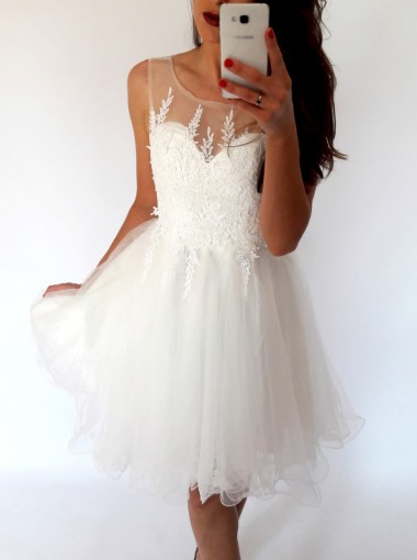 A-Line Bateau Short White Tulle Homecoming Dress with Appliques