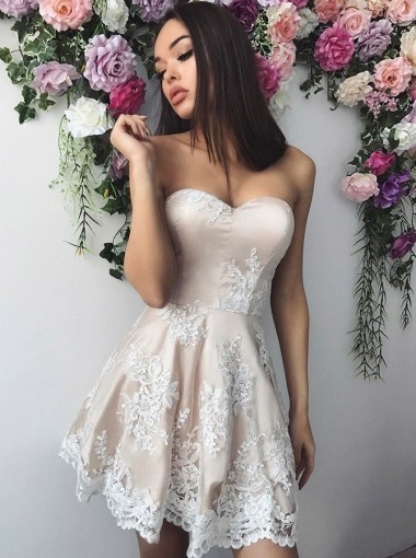 A-Line Sweetheart Ivory Short Homecoming Party Dress with Appliques