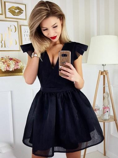 A-Line V-Neck Sleeveless Short Black Tulle Homecoming Dress