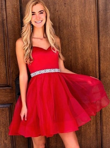 A-Line Sweetheart Above Knee Red Chiffon Homecoming Dress with Beading