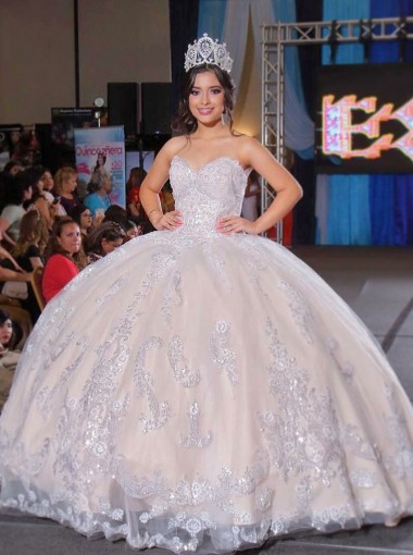 Ball Gown Sweetheart Floor Length White Quinceanera Dress with Appliques