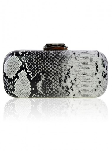 Black and White Closure Solid Single-Shoulder Chain Clutch