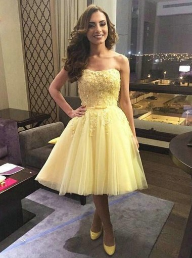 A-Line Strapless Short Yellow Tulle Homecoming Dress with Appliques Sequins