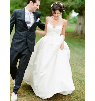 Glamorous Spaghetti Straps Floor-Length White Wedding Dress with Lace