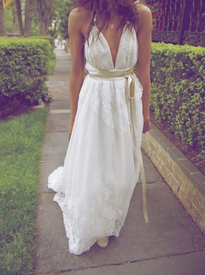 Sexy V-Neck Backless Lace Wedding Dress-Floor Length Wedding Dress with Sash, White